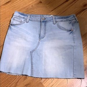 Color distressed jean skirt
